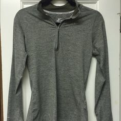 Nike workout quarter-zip Brand new, barely worn. Size XS but fits like a Small Nike Tops Tees - Long Sleeve