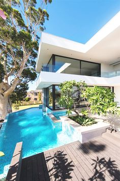 "italian-luxury: ""Contemporary Villa by Urbane Projects"""
