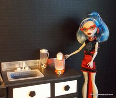 Stand Mixer for Barbie/Monster High HERE IS THE URL---- http://www.fierceghouls.com/doll-kitchen-mixer-tutorial.html