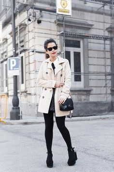 White_Shirt-Black_Bow-Leather_Skirt-Trench_Coat-Forever_21_Madrid-Outfit-Street_Style-Collage_Vintage-10-790x1185