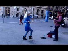 Video bailando de nuevo en Barcelona