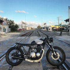 """853 Likes, 6 Comments - Cafe Racers of Instagram (@caferacersofinstagram) on Instagram: """"@imperialmoto enjoying a nice Miami day on the Honda CB550. Watch out for trains! . . #croig…"""""""