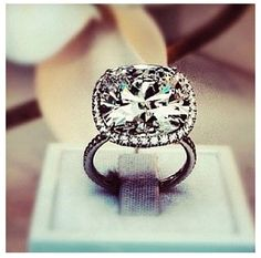 CYNTHIA IS WINNING. haha YUP I FOUND IT hahahah now all i need is a man, who wants to marry me hahaha.... ONE DAY Harry Winston... a girl can dream.