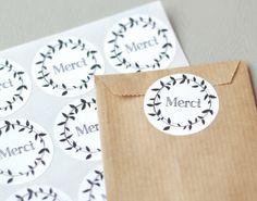 Une boutique avec de jolies étiquettes pour vos packaging. Un petit message de remerciement.