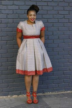 Black-White Polka Dot Pleated Formal Plus Size Short Sleeve Party Banquet Midi Dress African Formal Dress, Short African Dresses, African Print Dresses, African Attire, African Print Fashion, Africa Fashion, African Prints, Short Dresses, African Fashion Traditional