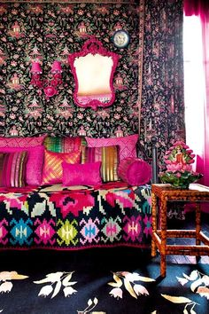 Un salon baroque à la déco surchargée assumée - Marie Claire Maison