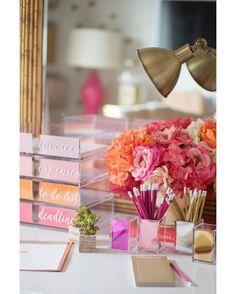 #deskgoals http://ift.tt/1l1r6p4 . . .  #planneraddict #planner #colorcodesigns #plannerspread #plannerlove #plannergoodies #plannerjunkie #plannercommunity #planners #plannernerd #plannerobssessed #plannergirl #plannerlife #erincondrenlifeplanner #eclp #happyplanner #mambi #erincondren #stationerylover #plannerlust #halfweek #weeklylayout #fullweek #printablestickers #onmydesk #weeklyspread #inmyplanner