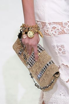 Dolce & Gabbana RTW SS 2011 details - beautiful things - fashion & beauty served on a silver platter. Fashion Bags, Fashion Accessories, Milan Fashion, Beaded Bags, Clutch Purse, Gold Clutch, My Bags, Purses And Handbags, Replica Handbags
