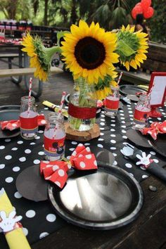 Sunflower decorations at a Minnie Mouse birthday party! See more party ideas at CatchMyParty.com!