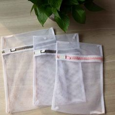 Coarse Mesh Laundry Bag The sizes are or can be customized. Coarse mesh is suitable for jeans, outerwear, curtains and other garment. Mesh Laundry Bags, Hand Roll, Wash Bags, Beach Mat, Underwear, Reusable Tote Bags, Curtains, Zipper, Jeans