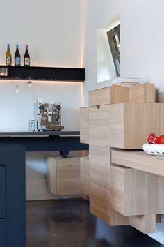 Beautiful kitchen cabinetry, Un château pas comme les autres