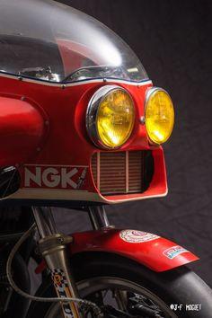 "speedstar-gallery: "" http://www.cafe-racer.fr/portfolio.php """
