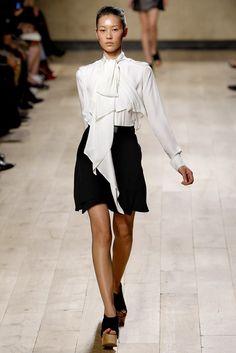 Céline Spring 2010 Ready-to-Wear Fashion Show - Liu Wen (Elite)