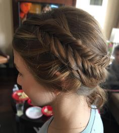 50 Elegant Hairstyles for Junior Bridesmaids