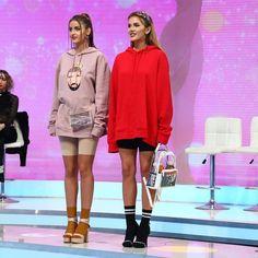 "2,935 aprecieri, 10 comentarii - Bravo, ai stil! (@bravoaistil) pe Instagram: ""Iuliana si Emiliana au intrat din nou in vizorul lui Razvan Ciobanu alias Titirca. Toti juratii au…"" Bloody Mary, Graphic Sweatshirt, Sweatshirts, Sweaters, Clothes, Instagram, Style, Fashion, Outfits"