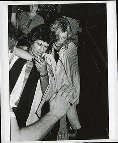 Keith Richards and Patti Hansen Rolling Stones Music, Rolling Stones Logo, Hanson Family, Rolling Stones Keith Richards, You Never Can Tell, Rollin Stones, Patti Hansen, Ron Woods, Stone World