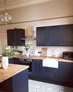 Perfect Navy Kitchen Cabinets For Decorating Your Kitchen. Below are the Navy Kitchen Cabinets For Decorating Your Kitchen. This article about Navy Kitchen Cabinets For Decorating Your Kitchen Home Decor Kitchen, Kitchen Interior, Kitchen Decorations, Design Kitchen, Küchen Design, Design Ideas, Interior Design, Home Design, Cool Kitchens