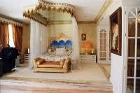 Prince and Mayte' s Spanish villa Prince Paisley Park, Prince And Mayte, Spanish Villas, Toronto, Pergola, Loft, Outdoor Structures, Homes, Bed