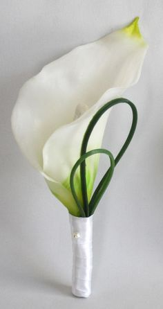 Ivory Calla Lily Cake Ideas and Designs