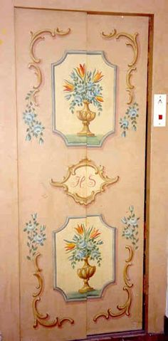 Bauernmalerei auf Lifttüre One Stroke Painting, Tole Painting, Painting On Wood, Painted Paneling Walls, Painted Doors, Rustic Painted Furniture, Paint Effects, Antique Paint, Traditional Paintings