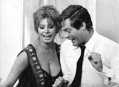Marcello and Sophia Sophia Loren Film, Sophia Loren Images, Hollywood Couples, Hollywood Glamour, Divas, Marcello Mastroianni, Gina Lollobrigida, Louise Brooks, World Most Beautiful Woman