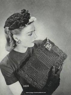 Антикварный альбом сумочек 40-х годов, вязаных крючком