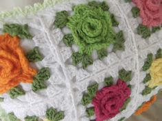 Visit Apple Blossom Dreams for a step-by-step tutorial on how to make a pretty granny rose pillow.     Links below...   Week 1 - Gather...