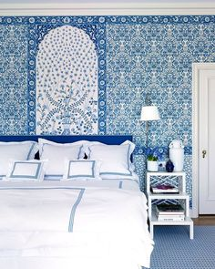 Luxury Blue and White Bedrooms Images