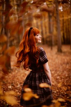 A Classic Plaid Shirtdress in Autumn Woods Ginger Hair Girl, Ginger Girls, Autumn Photography, Girl Photography, Redhead Pictures, Autumn Witch, Autumn Aesthetic, Photoshoot Inspiration, Clothes Horse