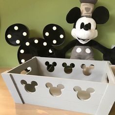 We love these new Mickey storage bins from the expanding Disney collection at Primark! Thank you @disney4men for sharing with us!! ✨…
