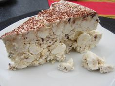 Schnelle Grillagetorte oder auch als Eissplittertorte bekannt Wir benötigen dazu: 400g Baiser ( …
