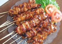 SATE MANIS – Resep Pork Recipes, Asian Recipes, Chicken Recipes, Cooking Recipes, Sate Ayam, Sate Taichan, Pork Satay, Malay Food, Food Carving