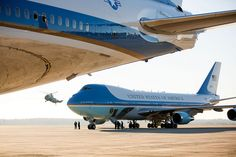 Secrets About Air Force One and the World's Most Expensive Presidential Aircraft – Page 27 Thailand Travel, Asia Travel, Barack Obama, United States Secret Service, Obama Photos, Jet Air, Military Pictures, Us Government, Boeing 747