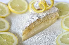 Mαγικό κέικ λεμονιού/Magic lemon cake Lemon Recipes, Greek Recipes, Greek Desserts, Just Cakes, Pudding Cake, Hot Dog Buns, Cupcake Cakes, Sweet Tooth, Food And Drink