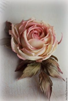 Цветы из ткани. брошь ручной работы `Роза Натали`. Очень нежная роза 'Натали' в кремово-персиковых тонах. Сделана под заказ для очаровательной девушки. Душевность и энергетика будующей хозяйки и помогла сделать розу именно такой. Повтор точной копии невозможен. Leather Flowers, Faux Flowers, Diy Flowers, Flower Corsage, Flower Bouquet Wedding, Bridal Bouquets, Ribbon Flower Tutorial, Gum Paste Flowers, Crepe Paper Flowers