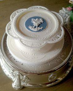 Donatella Semalo: Le Tre Grazie - La torta finita...:)