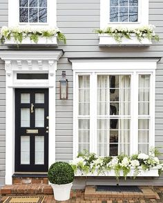 63 Ideas House Exterior Classic Architecture For 2019 Design Exterior, Exterior Paint Colors, Interior And Exterior, Grey Exterior, Classic House Exterior, Exterior Shutters, House 2, House Front, Pintura Exterior