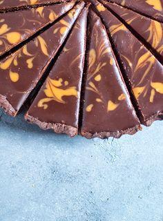Erdnusskaramell-Schoko-Tarte: Schokoladensünde pur