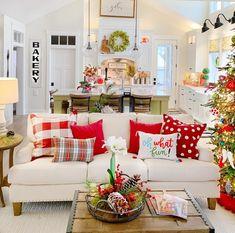 Christmas Living Rooms, Christmas Room, Cozy Christmas, White Christmas, Christmas Holidays, Xmas, Home Decor For Christmas, Christmas Bathroom Decor, Christmas Mantles