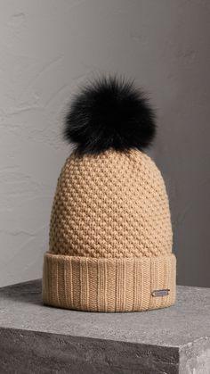 Bonnet en laine et cachemire avec pompon en fourrure (Camel) - Femme    Burberry 55e8495bd22
