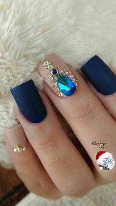 #unasdecoradas Gem Nails, Gelish Nails, Blue Nails, Hair And Nails, Perfect Nails, Gorgeous Nails, Pretty Nails, Birthday Nail Designs, Diamond Nail Art