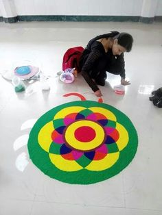 Simple Rangoli Designs Images, Rangoli Designs Latest, Latest Rangoli, Small Rangoli Design, Colorful Rangoli Designs, Rangoli Designs Diwali, Diwali Rangoli, Beautiful Rangoli Designs, Rangoli Colours