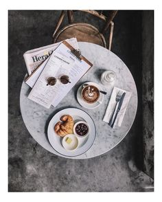 """food photography, drink/ coffee photography Coffee date :: via @ziiarch on Instagram http://ift.tt/21vsQdK """""""