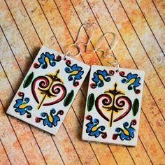 Kolczyki ręczne malowane - Folk ( 1 ) Playing Cards, Brooch, Phone Cases, Earrings, Jewelry, Ear Rings, Jewellery Making, Stud Earrings, Jewerly