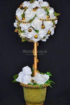 топиарий из латексных цветов. Розы и золото