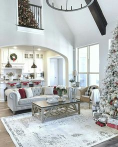 Living Room Layout With Christmas Tree – PinDown Search Pins Open Floor Plan Living Room And Kitchen Farmhouse Layout – Living room Living Room Floor Plans, Living Room Flooring, Living Room Decor, Dining Room, Christmas Living Rooms, Christmas Home, Christmas Parties, Christmas Movies, Christmas Decorations