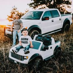 love this photo shoot! Daddy & Son with matching white fords! Father Son Pictures, Boy Pictures, Cute Baby Pictures, Newborn Pictures, Baby Photos, Daddy And Son, Father And Son, Cute Country Boys, Country Babies