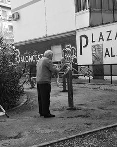 Mens sana in corpore sano  #igers #igerssevilla #igersspain #igersandalucia #instagramers #sevillahoy #svq #sevilla #blancoynegro #blackandwhite #bnw #streetphotography_bw #bnw_captures #bnw_life #amateurs_bnw #blackandwhitephotography