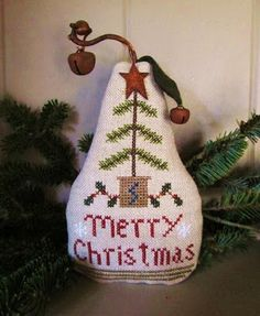 """Merry Christmas Pear freebie from Samplers and Santas blog. ( click on the """"pears""""tab at the top of the page to take you to the graph)"""