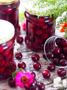 Sour Cherry in Syrup for Cakes and Dessert Polish Desserts, Polish Recipes, Keto Recipes, Cooking Recipes, Good Food, Yummy Food, Keto Diet For Beginners, Fermented Foods, No Cook Meals